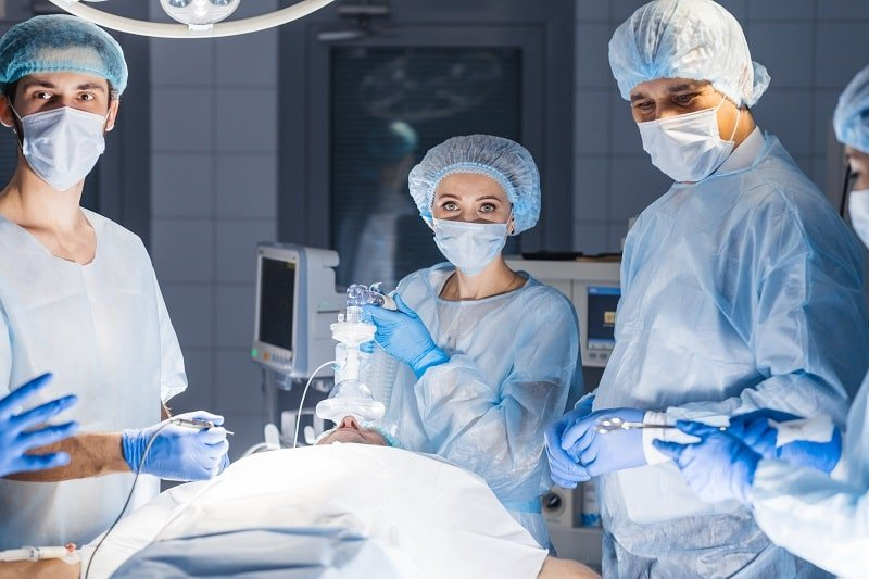 pros and cons of being an Anesthesiologist Assistant