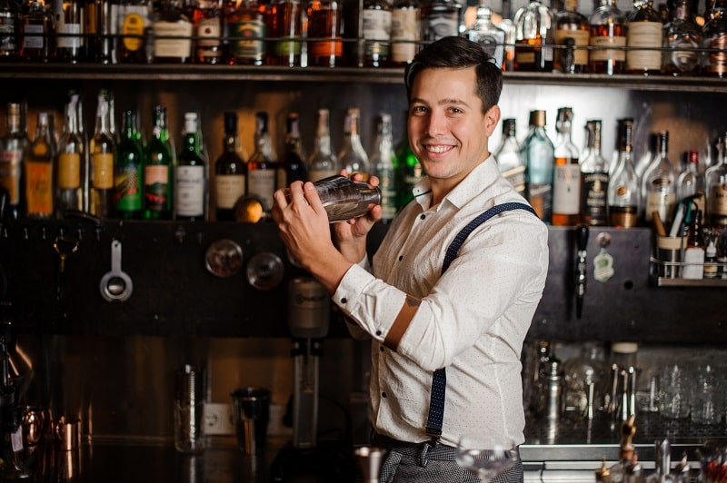 pros and cons of being a Bartender