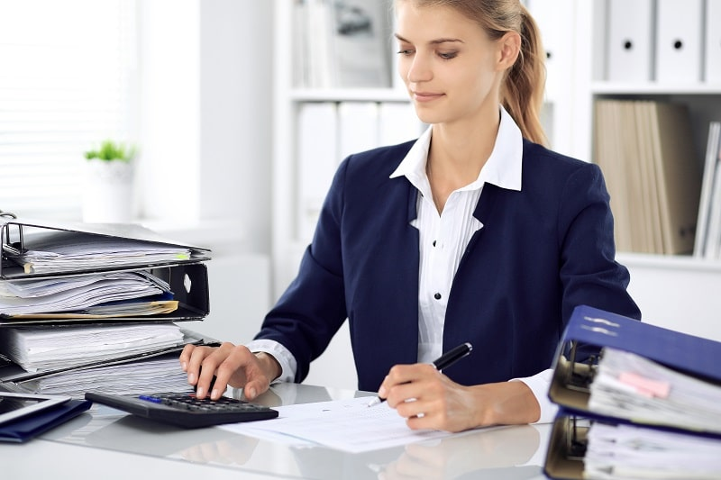 pros and cons of being a Bookkeeping, Accounting and Auditing Clerk