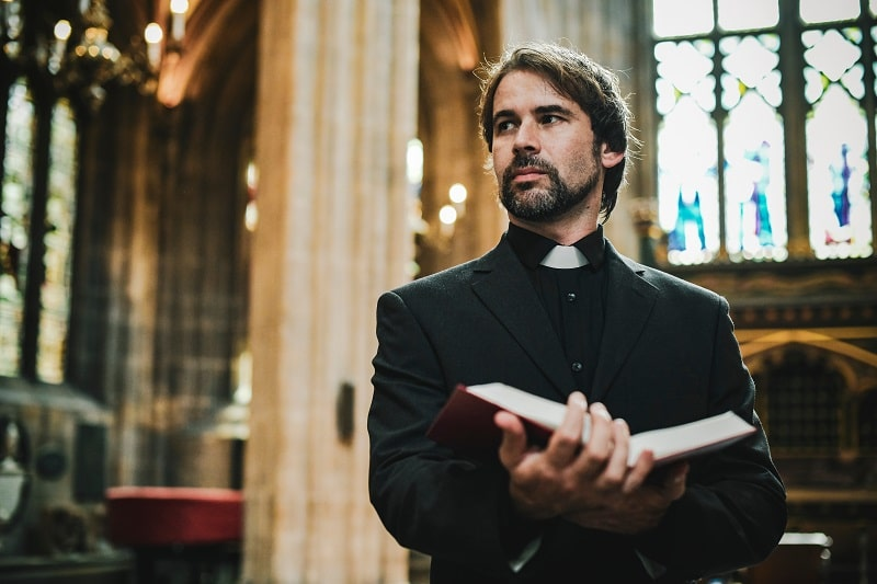 pros and cons of being a Clergy