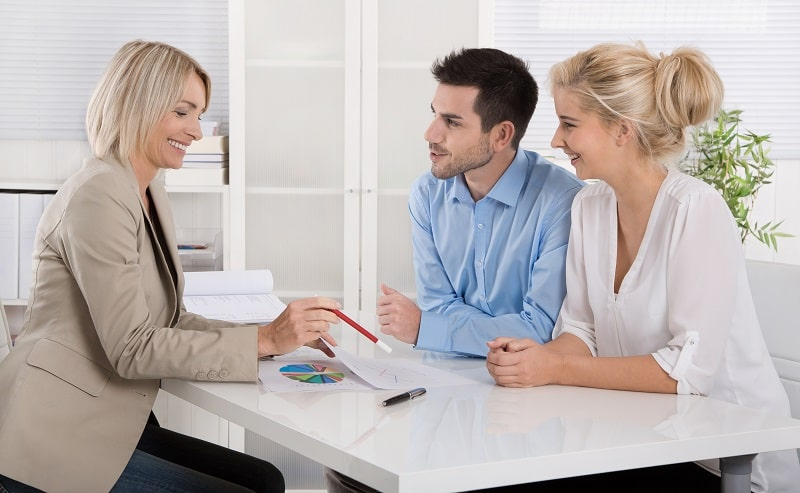 pros and cons of being a Credit Counselor