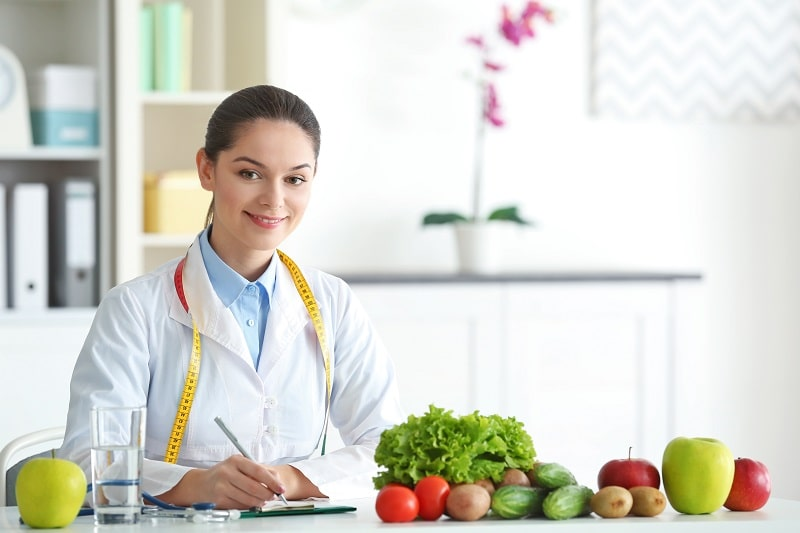 pros and cons of being a Dietitian and Nutritionist