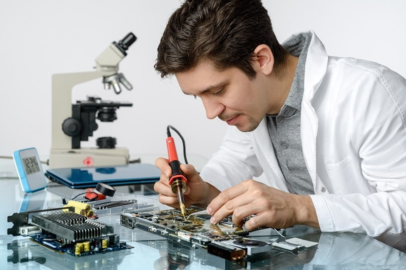 Electrical Engineering Technicians