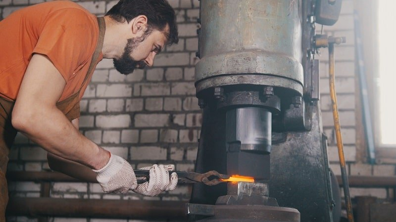 pros and cons of being a Heat Treating Equipment Setter, Operator and Tender, Metal and Plastic