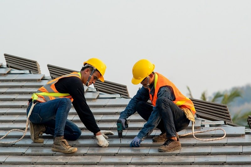 pros and cons of being a Helper of Roofer