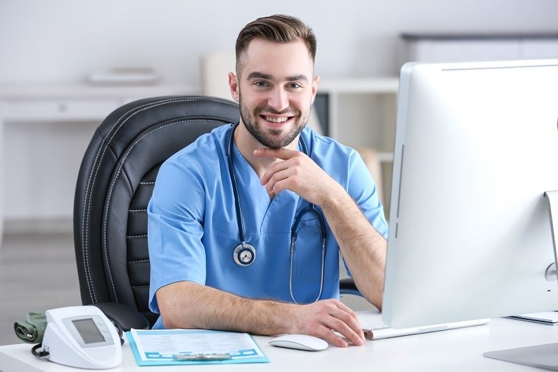 pros and cons of being a Medical Assistant