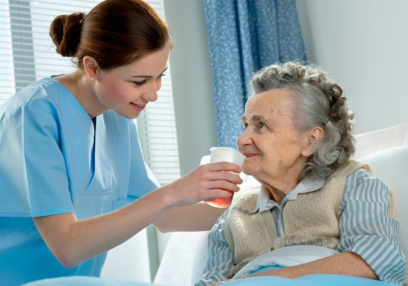 pros and cons of being a Nursing Assistant