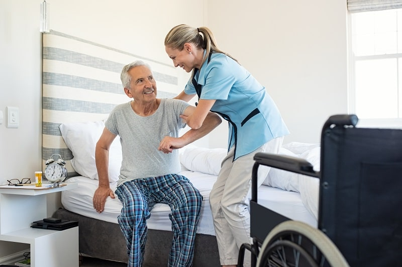 pros and cons of being a Personal Care Aide