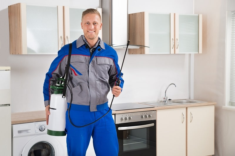pros and cons of being a Pest Control Worker