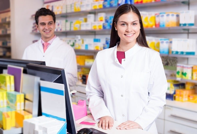 pros and cons of being a Pharmacy Aide