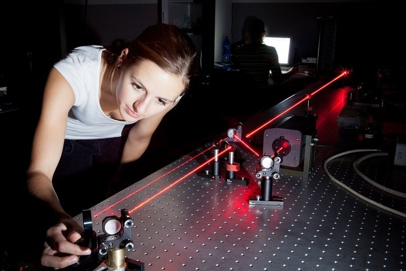 pros and cons of being a Photonics Technician