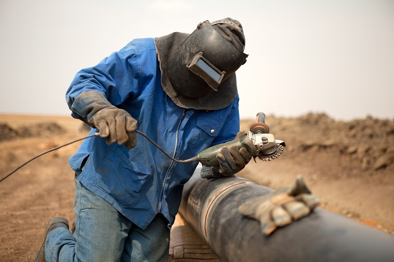 pros and cons of being a Pipelayer