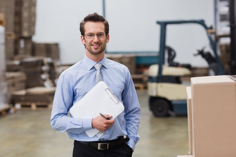 pros and cons of being a Storage and Distribution Manager