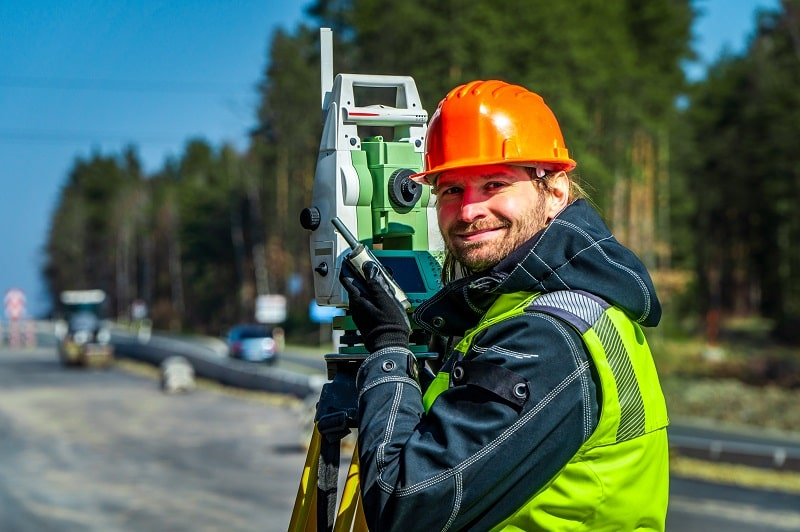pros and cons of being a Surveying Technician