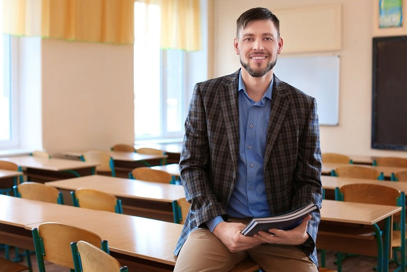 pros and cons of being a Postsecondary Vocational Education Teacher