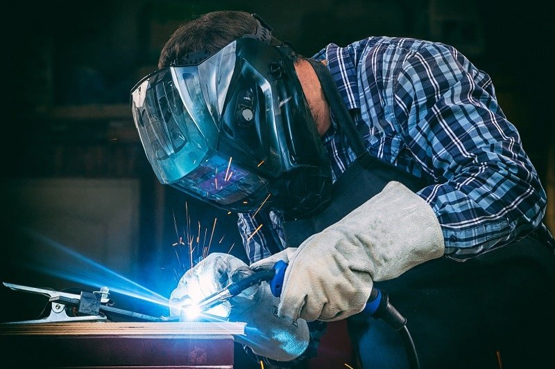 pros and cons of being a Welder, Cutter and Welder Fitter