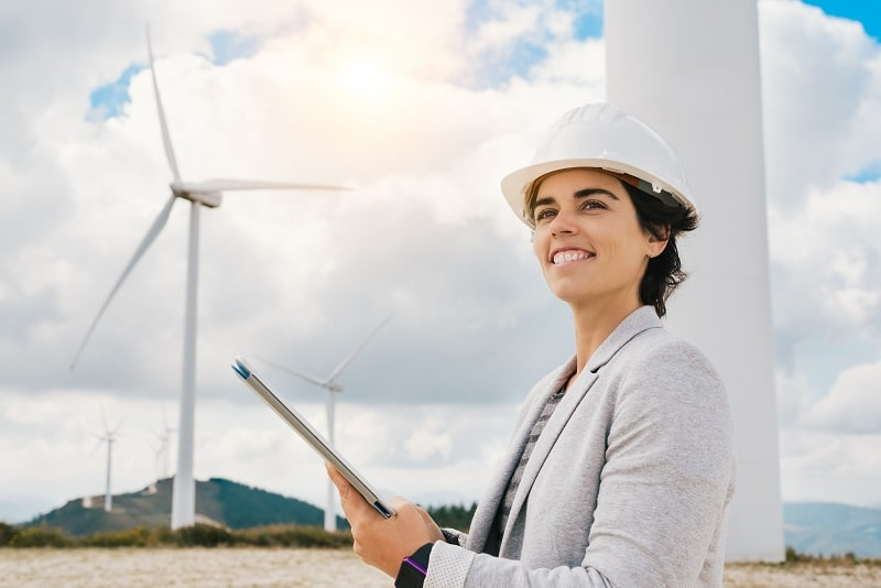 pros and cons of being a Wind Energy Operations Manager